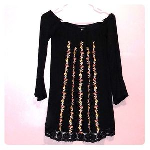 Forever 21 boho tunic in black and embroide